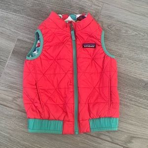Girls 3T reversible Patagonia vest